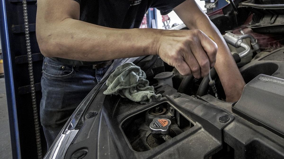 auto-repair-3691962_1920